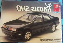 NEW AMT  1990 FORD TAURUS SHO 1/25 MODEL KIT