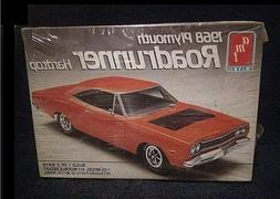 NEW, FACTORY SEALED AMT 1/25 1968 PLYMOUTH ROAD RUNNER