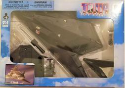 New Ray - 1:72 Scale Pilot Model Kit F-117 Nighthawk