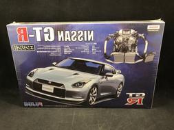 Fujimi Nissan GT-R 1:24 Scale Plastic Model Kit 037943 New i