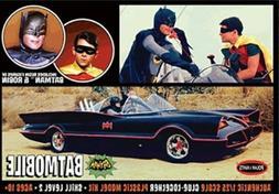 Polar Lights  1:25 1966 Batmobile w/Figures Plastic Model Ki