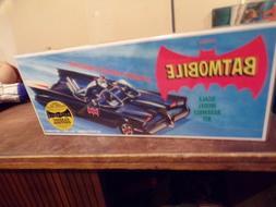 Polar Lights POL821, 1/32nd, TV Original Batmobile,  New Min
