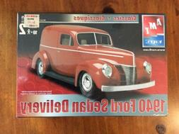 AMT- RED ON BOX 1940 Ford Sedan Delivery 1/25 MISB 31889-1HD
