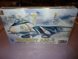 Revell 1:48 scale model kit F14A-Tomcat fighter jet #85-5803