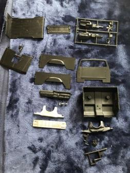 REVELL QUADZILLA FORD  MONSTER TRUCK JUNKYARD PARTS ONLY - M