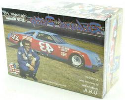 Salvino JR Models Ricard Petty 1979 Oldsmobile 442 Winner 1/