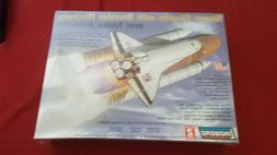 LINDBERG SPACE SHUTTLE WITH BOOSTER ROCKETS 1/200 SCALE MODE