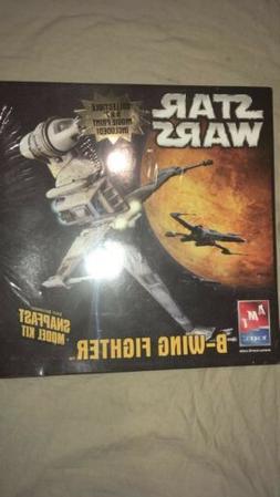 AMT Star Wars B-Wing Model Kit W/Movie Poster