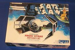 Star Wars Darth Vader Tie Fighter 1989 Scale Model Kit AMT E
