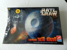 AMT Star Wars Death Star  SnapFast Model Kit