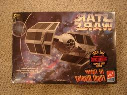 Star Wars Tie Fighter Flight Display model 8275 AMT / ERTL 1