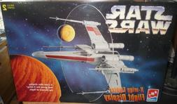 #8788 AMT Star Wars X-Wing Fighter Flight Display Model Kit,