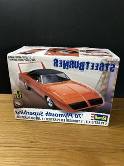 Revell STREETBURNER '70 Plymouth Super bird MOTION Model Kit