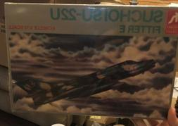 HOBBY CRAFT SUCHOI SU-22U FITTER E 1/72 Model KIT F/S FACTOR