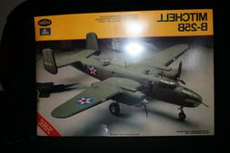 Italaerei Testors Mitchell B-25B 25C Sealed Box  1/72  Scale