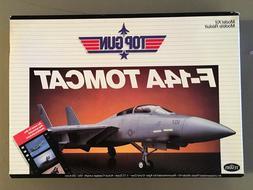 Testors TOP GUN F-14A TOMCAT Model Kit 1987 No. 273 1:72 sca