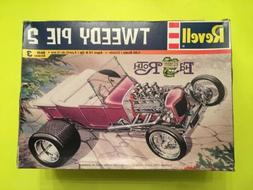 Revell TWEEDY PIE 2  1:24 Scale Model Kit New Complete Open