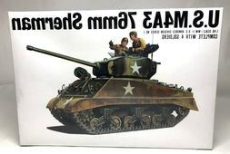 BANDAI U.S. M4A3 76mm Sherman w/ 4 Soldiers 1:48 Scale Model