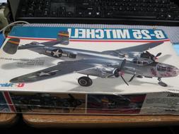 US AIRFIX, B-25 MITCHELL BOMBER. PLASTIC MODEL KIT #40010