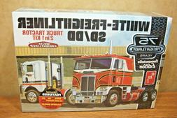AMT White Freightliner SC or DD Cabover Tractor 1/25 truck m