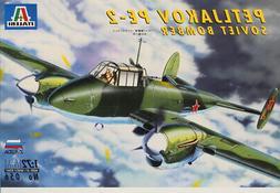 Italeri Zvezda 1:72 Petljakov PE 2 Soviet Bomber Plastic Mod